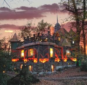 hexenhaus by night