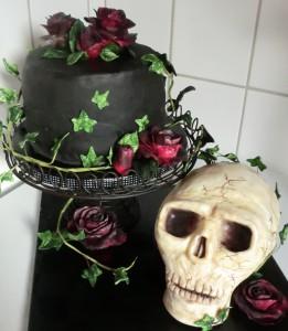 Kuchen, Torte, Geburtstagstorte, Halloween-Torte, Halloween, düstere Torte, düstere Geburtstags-Torte, Genuss, Zuckerhimmel