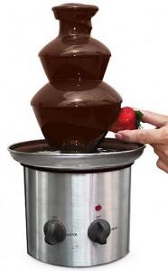 Schokoladenbrunnen mit Erdbeere
