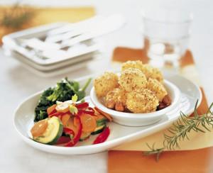 Gemüseplatte mit Nusskartoffeln