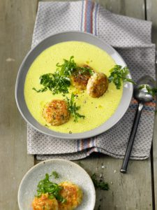Linsen-Curry-Suppe_mit_Lachs_Frikadellen_01